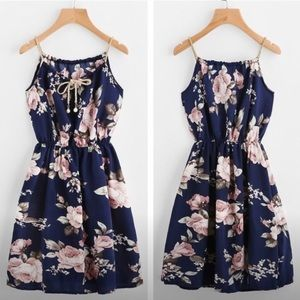 🆕NWT🌹 Blue & Gold Floral Dress - S